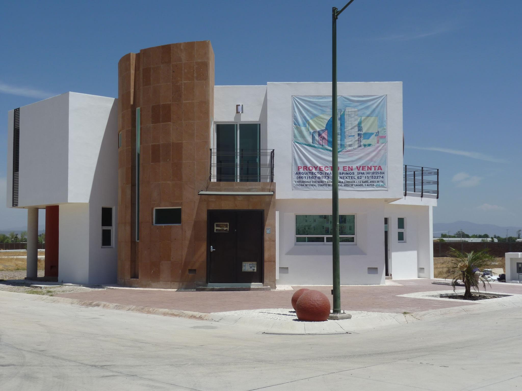 Alamo country club celaya casa a la venta venta y renta for Casas en renta en celaya